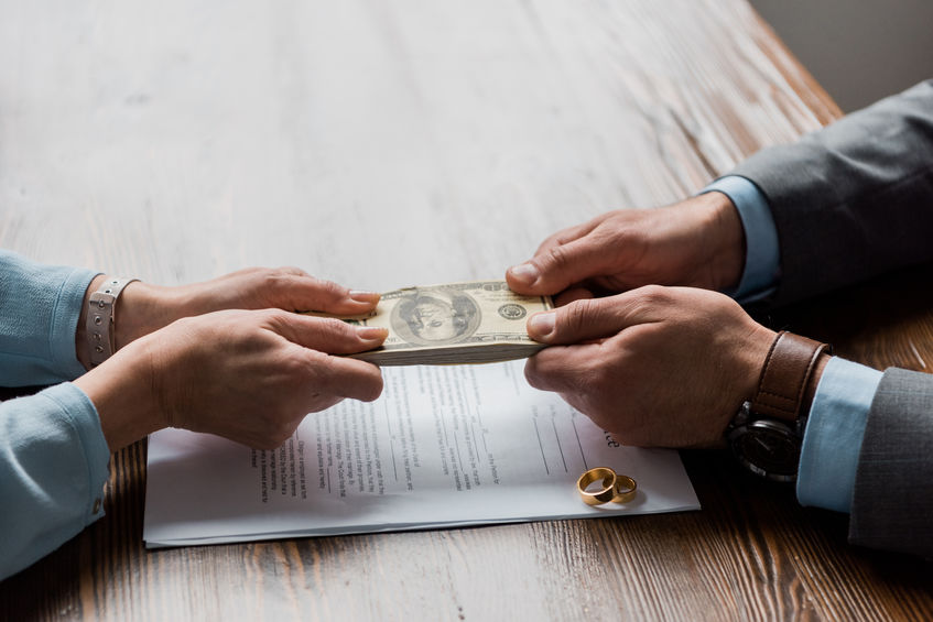 Sell a Home When Divorcing
